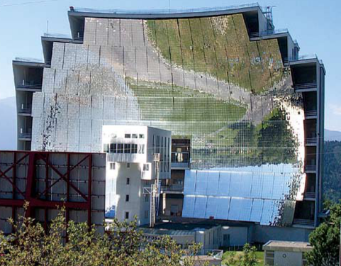 Figure 10 : le four solaire d'Odeillo (photo Serge Chauvin).