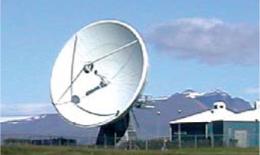 Figure 5 : Antenne parabolique à l'entrée de Höfn en Islande (photo Serge Robert).